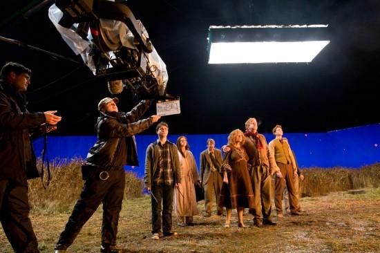 26. El rodaje de la película se retrasó porque hubo un incendio en el set.
