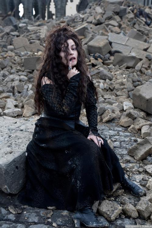 """27. Helen McCrory había sido elegida para interpretar a Bellatrix Lestrange pero tuvo que abandonar el papel debido a su embarazo. En """"El Misterio del Príncipe"""" interpreta a Narcissa Malfoy."""