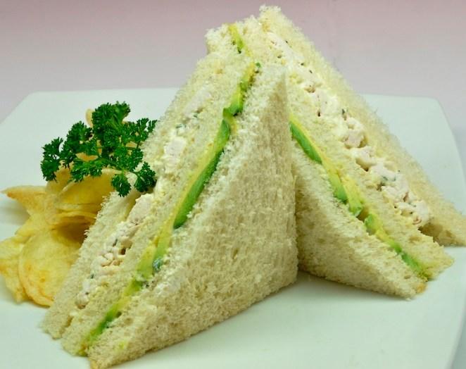 6. Sandwich de pollo y palta
