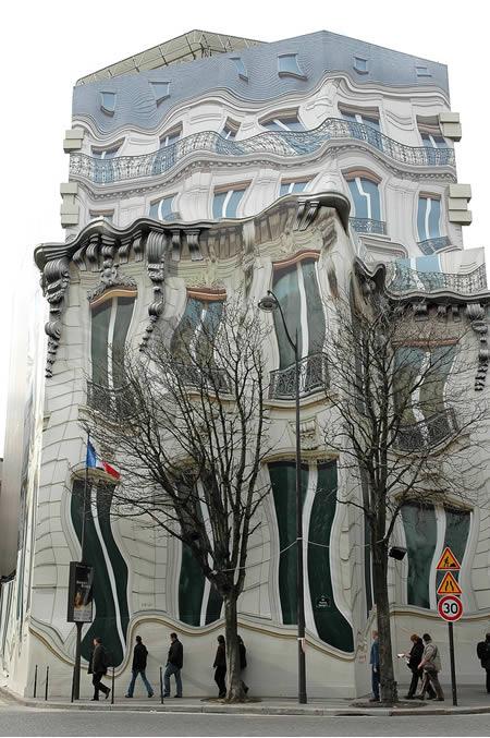 8. Una fachada que marea