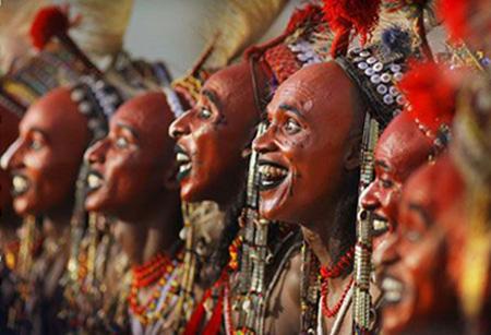5. Los Wodaabee: La tribu donde los hombres se roban mutuamente las esposas – Nigeria.