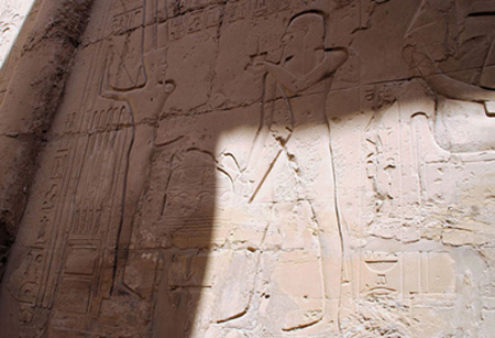 6. Antiguos faraones egipcios: Practicaban la masturbación pública.