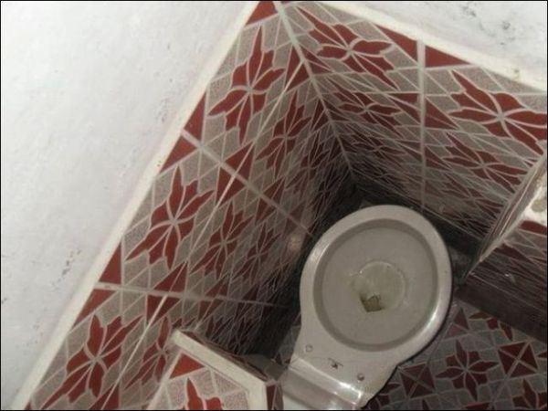 4. Al que puso el inodoro ahí, no se le ocurrió pensar