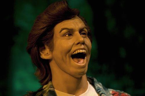 8. Jim Carrey ligó la dentadura de Ronaldinho.