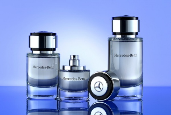 16. Perfumes de Mercedes Benz para oler a auto nuevo