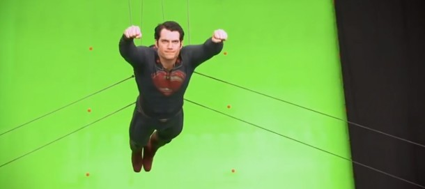 Superman levitando a toda lentitud...