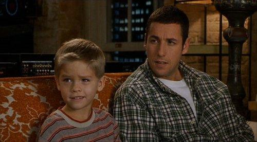 Junto a su hermano gemelo Dylan, comenzaron desde temprana edad su carrera como actores.