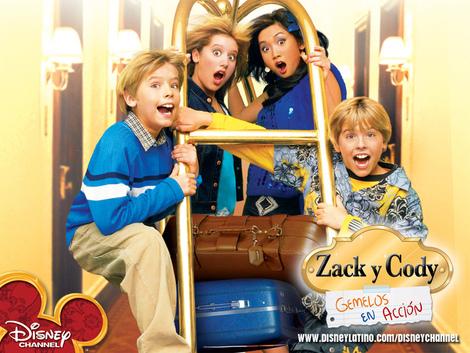 Pero la fama los golpeó cuando protagonizaron la serie Zack y Cody, para Disney.