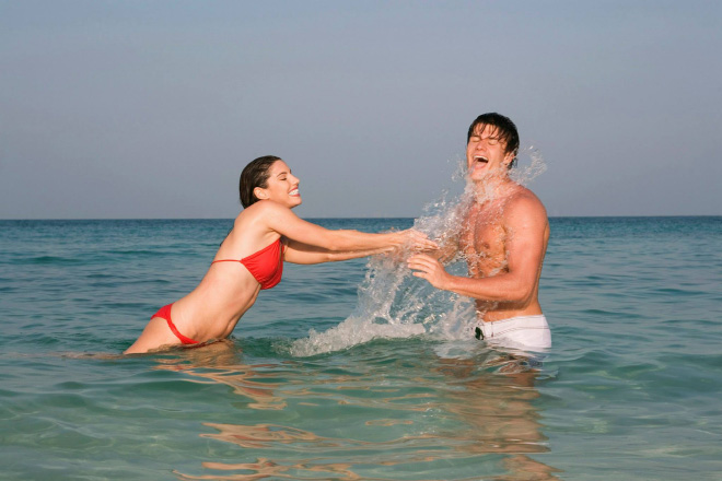 5. ¿Además de cuerpos perfectos tienen un mar entero para ellos solos?