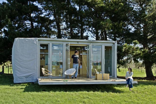 3. La casa container, hecha con contenedores de carga descartados hechos por Atelier Work Shop