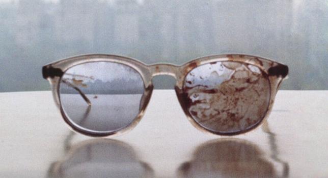 11. Gafas de John Lennon después de ser disparado