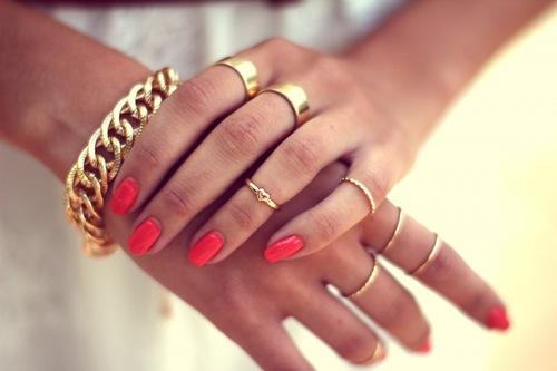 Si te ves mejor en oro, es que tu matiz es cálido