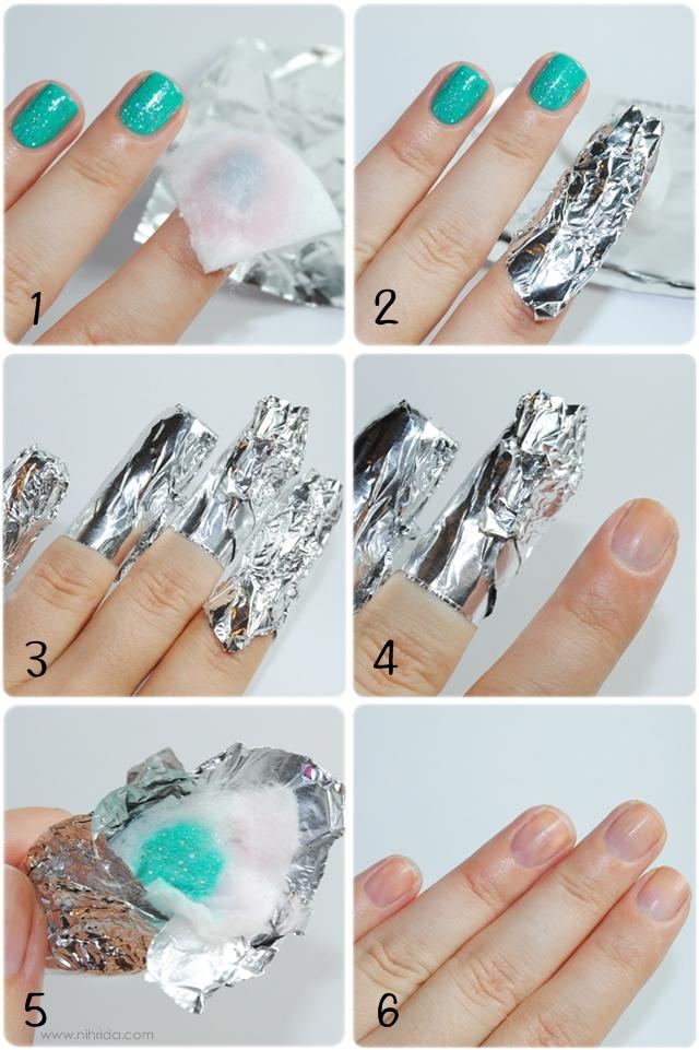 20. El esmalte con glitter es hermoso, pero sacarlo es una tortura. Envolvé tus uñas con algodón embebido en quitaesmalte y forralas con papel aluminio, dejá actuar y sacá el esmalte sin sufrir