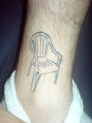 20. Lindo día para tatuarse una silla (?