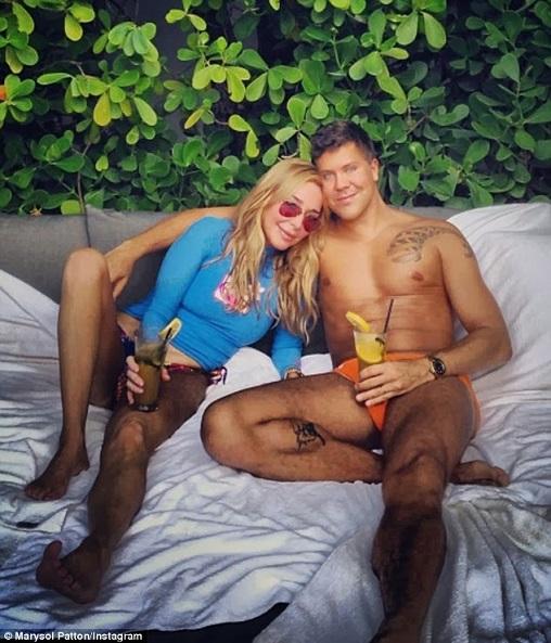 14. Esto es un terrible uso del Photoshop o esta chica realmente odia depilarse la pierna.