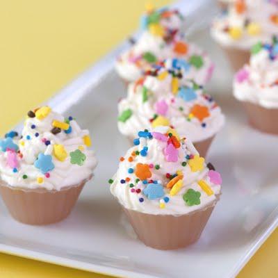 2. Shots de cupcakes cumpleañeros