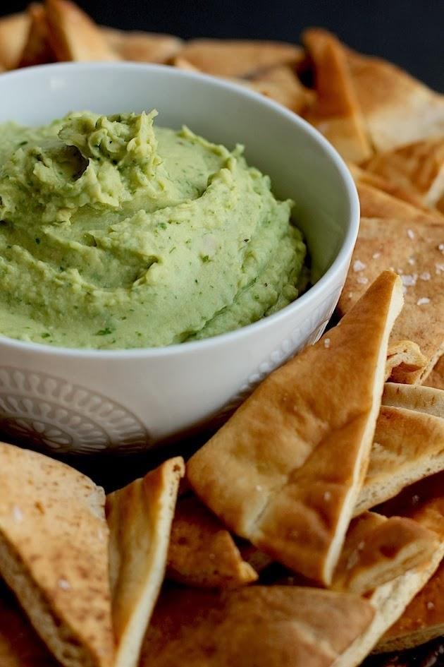 6. El dip perfecto: un híbrido entre el guacamole y el hummus.