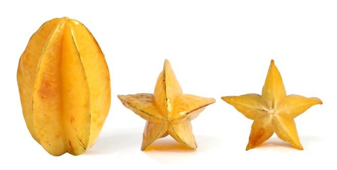 8. Torombolo (también conocida como carambola, chiramelo, miramelo, tamarindo chino, tamarindo culí, árbol del pepino, carambolera, carambolero, fruta estrella o fruta china).