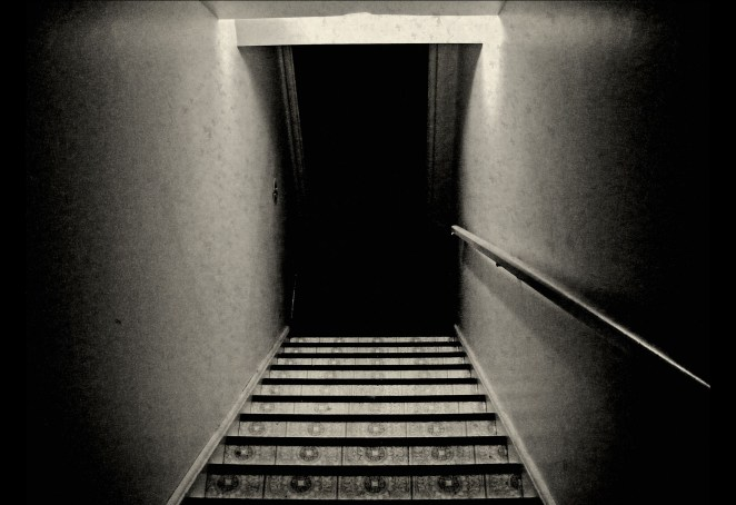 Resultado de imagen para down stairs dark