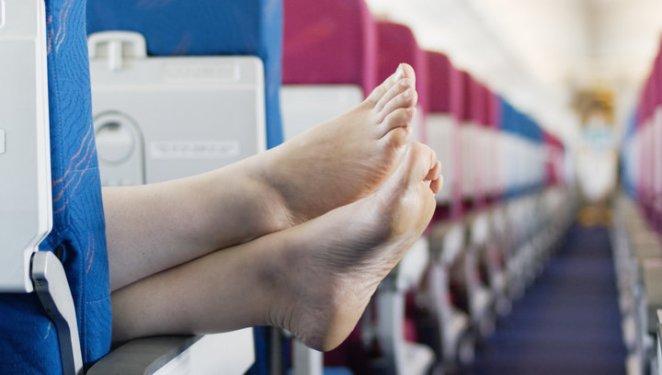 Resultado de imagen para feet on an airplane