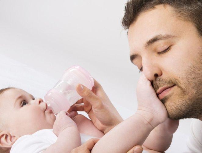 Resultado de imagen para padre lactancia