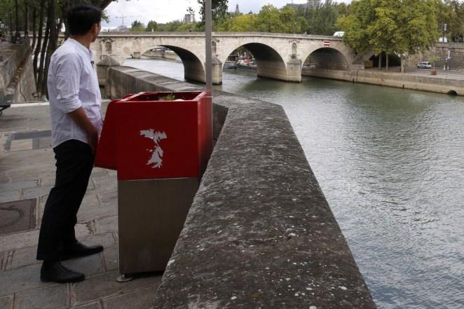 Resultado de imagen para paris public urinals
