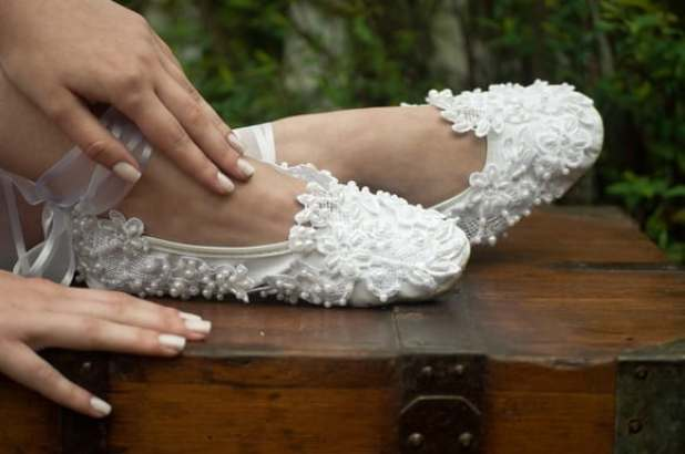 sapatilha-bordada-noiva
