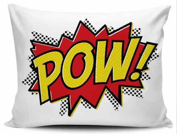 almofada quarto com super heróis