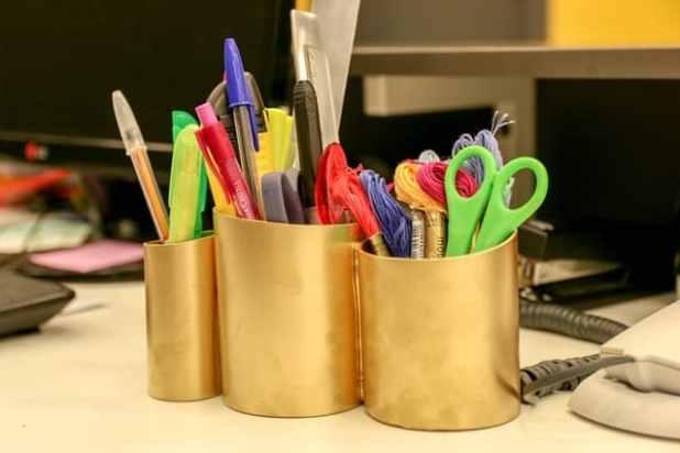 porta-canetas de PVC pronto