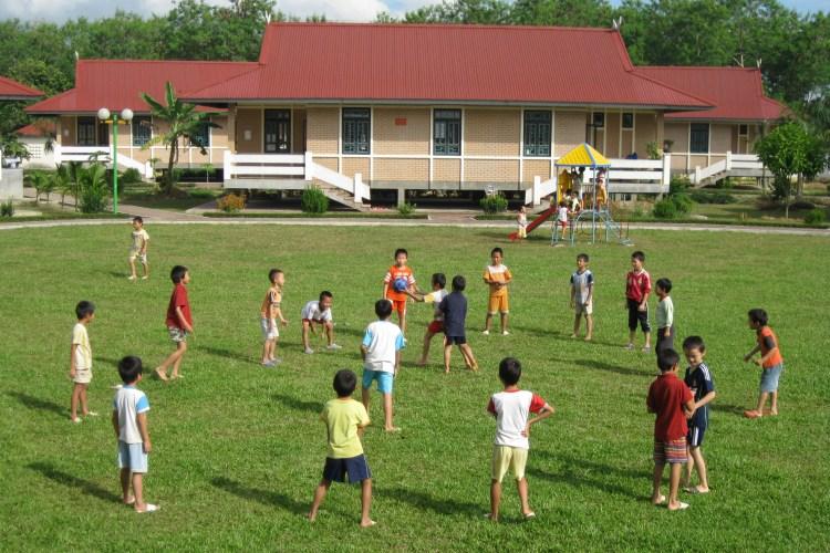 FULL 3-MONTH SPONSORSHIPS FOR DISADVANTAGED CHILDREN AT VIETNAM SOS CHILDREN VILLAGE: TOGETHER, WE FIGHT BACK CORONA!