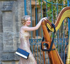 Harpist Booking Guide – How to Hire