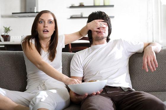 couple-watching-tv