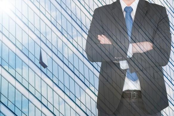 El administrador designado en el reglamento de propiedad horizontal cesa en oportunidad de la primera asamblea si no es ratificado por ella.