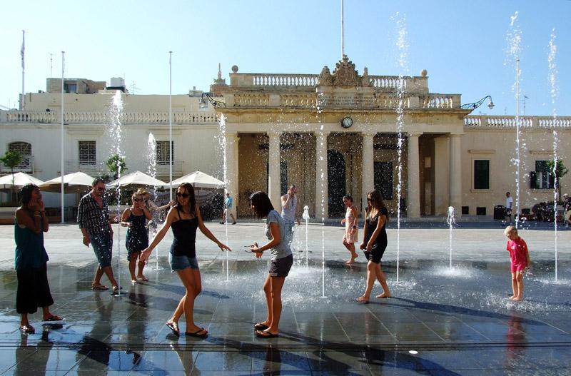 valletta-malta-fountains