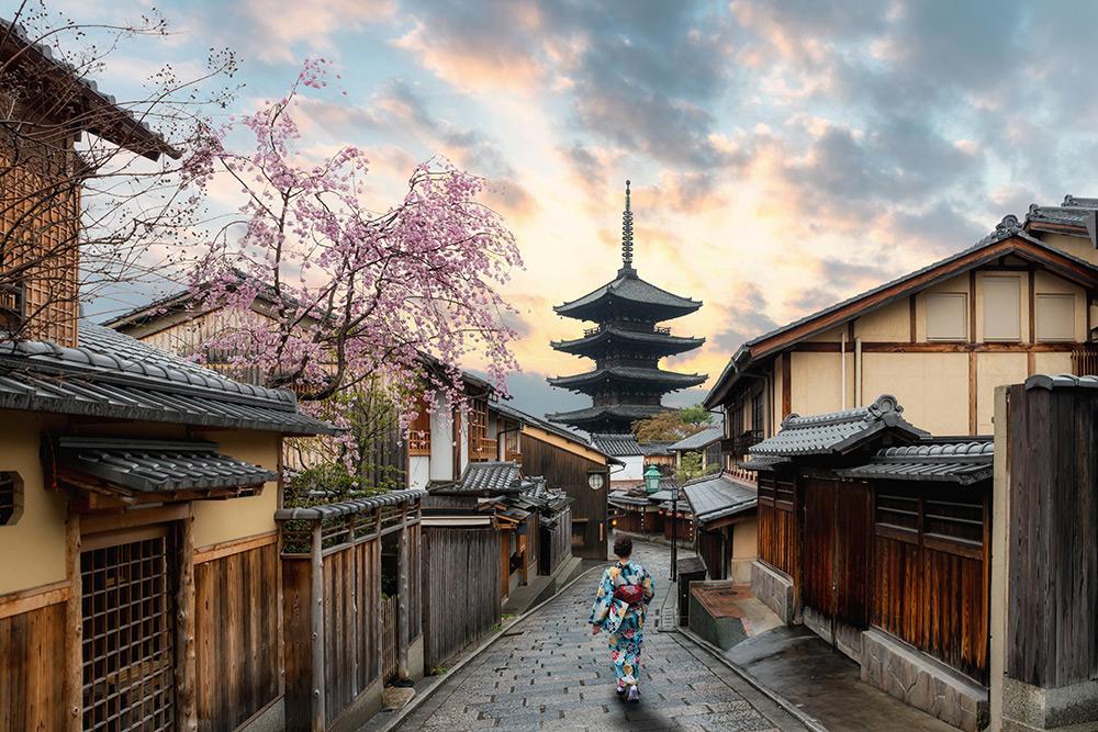 Japan woman in a kimono