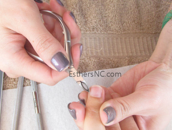 How To Apply Sac Nail Polish Cut Hang Nails