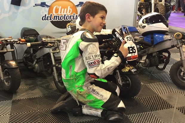 Como orientar a tu hijo para que monte en moto