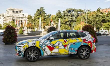La gama Recharge de Volvo se une a las Meninas por las calles de Madrid