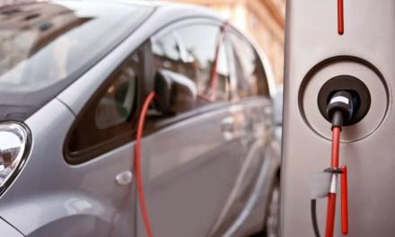 Aumenta un 104,7% las matriculaciones de vehículos electrificados, híbridos y de gas