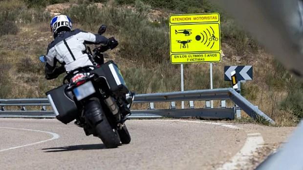 Motos DGT señal