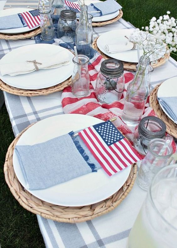 The perfect home party always has plastic plates for easy clean up! Cute 4th of July table set up.