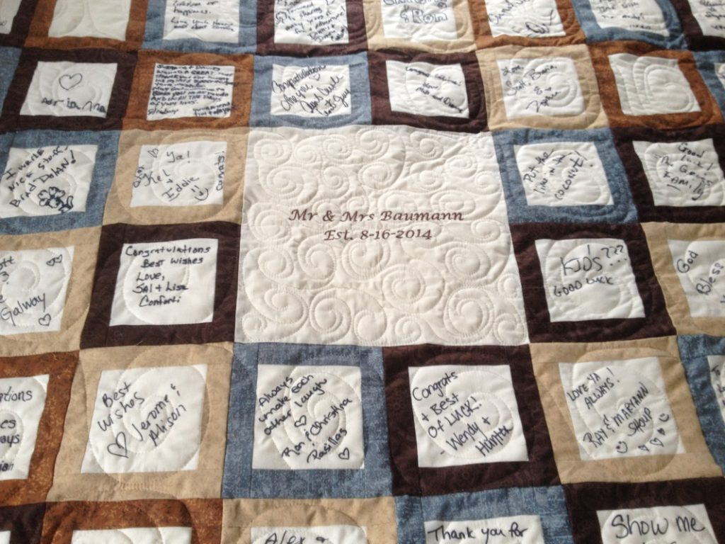 Quilt Guest Book Red Klover