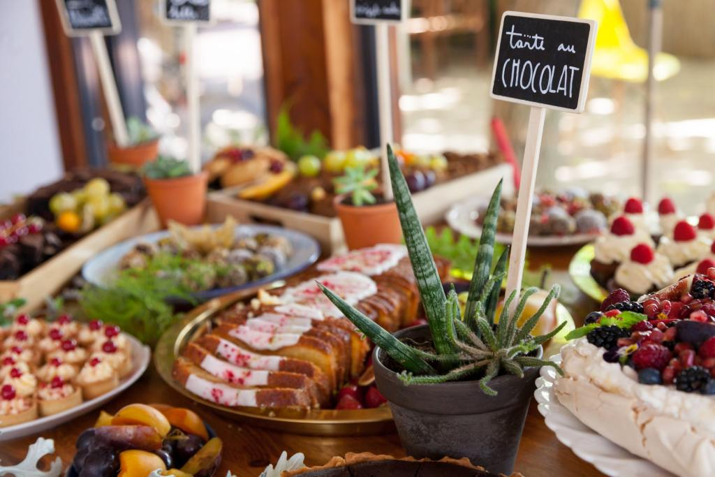 Event Planning Mistakes All Food Out at Once