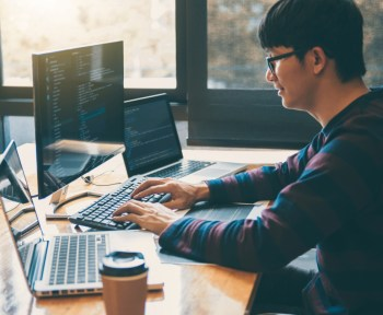 Hire freelance coding experts with Eventeus1