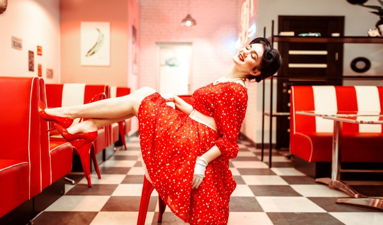 Hire a pin up artist for your events with Eventeus! (2)