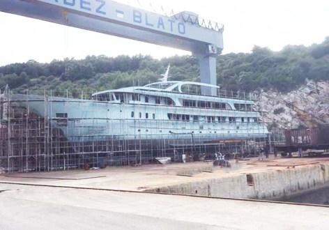 adris-bateau-en-construction-expairtours