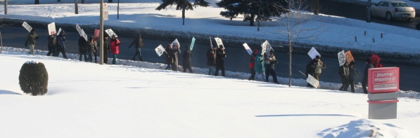 Journal de Montréal picketers