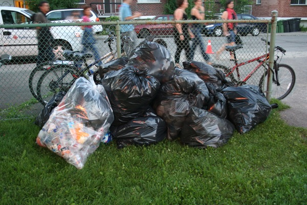 Volunteers patrolled the parc throughout the night picking up garbage, and boy was there a lot of it.