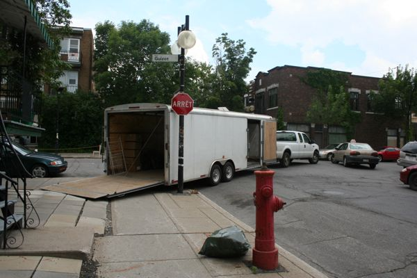 This truck and trailer successfully blocked traffic in three directions at once. Bravo!