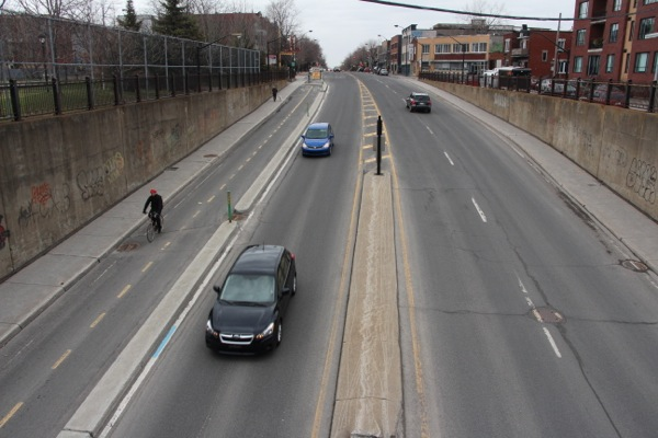 A new bicycle path on Christophe-Colomb Ave.